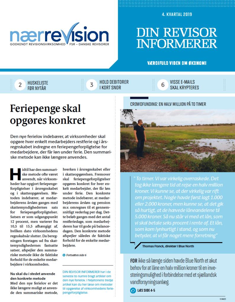Artikel over revision og feriepenge med revisor, der ser ud over den danske hede